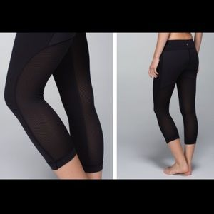 "Lululemon 21"" Cropped Leggings"